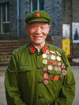 Portrait Chinesischer-Kriegsverteran-Fotografie Volker Schrank